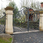 new_estate_gates_for_cogshall_hall